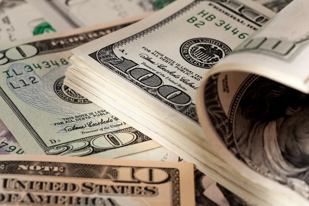 ticket broker salary